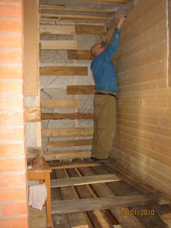 Peindre en blanc lambris vernis cholet cout travaux electricite renovation pose du lambris for Peindre du bois vernis en blanc