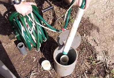 установка глубинного насоса в обсадную колонну, в скважину для воды
