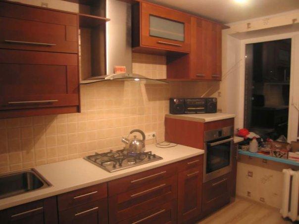 пример кухонной мебели в едином стиле